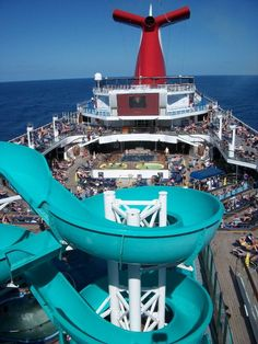 Panoramic view of the lido deck aboard the Carnival Liberty #carnivalliberty #carnivalcruise