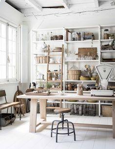 Chic Home Decor Ideas Home Art Studios, Art Studio At Home, Art Studio Room, Art Studio Design, Home Office, Office Decor, Workspace Inspiration, Interior Inspiration, Sweet Home