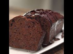 Two things we absolutely adore: chocolate, and sneaking healthy ingredients into our favorite treats. So of course we need this Double Chocolate Zucchini Bread! Chocolate Zucchini Bread, Zucchini Bread Recipes, Zucchini Cake, Vegetable Recipes, Banana Bread, Vegetarian Bake, Melting Chocolate Chips, Chocolate Marshmallows, Chocolate Sweets