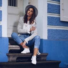 • B L U E • . #bluejeans #miaandthemousejeans #miaandthemouse #blue #miaandthemouse #middleoftheweek #enjoythelittlethings ##streetstyle #photography #shooting #bloggerlife #lifestyleblog #lifestyle #lifestyleblogger #fashion #fashionblog #fashionlovers #fashionblogger #fashionblogger_de #fashionblog_ch #blogger_ch #blogger_de #blogger #blogpost #update #mumblogger #streetstyleshooting #ootd #streetstyleshot