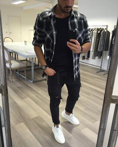 No photo description available. Best Mens Fashion, Star Fashion, Stylish Men, Men Casual, Formal Attire For Men, Cool Outfits, Casual Outfits, Man Dressing Style, Friend Outfits