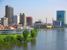 Toledo Ohio Skyline | Skyline of downtown Toledo, OH, as seen from the High Level Bridge ...
