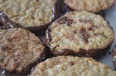 La recette des galettes suédoises à l'avoine et au chocolat est là, et elle est parfaite pour tes goûters !