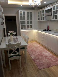 country home Tadilat sonras ok zevkli bir ortam. Küchen Design, Design Case, Home Design, Home Interior Design, Kitchen Interior, Kitchen Decor, Kitchen Rug, Kitchen Models, Kitchen Carpet
