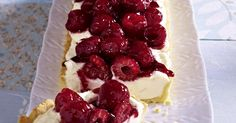 The best White Chocolate Raspberry Tart recipe you will ever find. Welcome to RecipesPlus, your premier destination for delicious and dreamy food inspiration. Chocolate And Raspberry Tart, Best White Chocolate, White Chocolate Recipes, Chocolate Cream, Melting Chocolate, Tart Pan, Dried Beans, Tart Recipes, Vegetarian Cheese