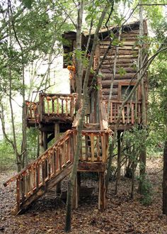 Log Cabin Tree House