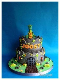 Children's Birthday Cakes by taaartjes