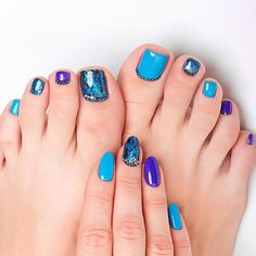 Toe Nail Art Designs With Stones ❤ 30+ Incredible Toe Nail Designs for Your Perfect Feet ❤ See more ideas on our blog!! #naildesignsjournal #nails #nailart #naildesigns #toes #toenails #toenaildesigns #pedicure Pretty Nail Designs, Toe Nail Designs, Toe Nail Art, Toe Nails, Mani Pedi, Manicure And Pedicure, Best Armor, Black Stiletto Nails, Gorgeous Makeup