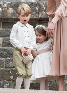 Prince George of Cambridge and Princess Charlotte of Cambridge attend the wedding of Pippa Middleton and James Matthews at St Mark's Church on May 2017 in Englefield Green, England. Get premium, high resolution news photos at Getty Images Prince Georges, Prince George Alexander Louis, Prince William And Kate, Prince Harry And Meghan, William Kate, Princesa Charlotte, Princesa Diana, Pippa Middleton Wedding, Kate Middleton News