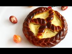 Pască tradițională cu brânză dulce - YouTube Romanian Food, Romanian Recipes, Just Bake, Easter Traditions, Pastry And Bakery, Relleno, Cupcake Cakes, Waffles, Food And Drink