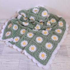 Crochet Square Blanket, Crochet Squares, Crochet Blanket Patterns, Crotchet Blanket, Crochet Square Patterns, Mode Crochet, Crochet Home, Knit Crochet, Crochet Stitches