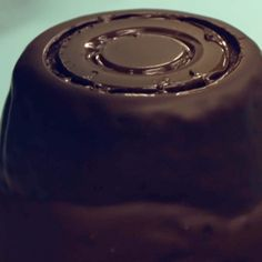 To make the iconic Rolo pattern you need to use a shot glass and a larger glass