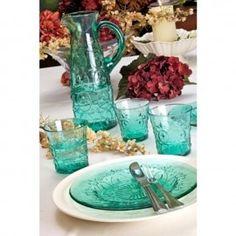Latem popijać zimny sok to sama przyjemność. Grube, szlifowane szkło z Villa Italia, w absolutnie wyjątkowym lazurowym kolorze.