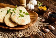 Byli jste někdy vTurecku? Už jste někdy ochutnali turecké placky alias turecký chléb? Jestli ne, udělejte si pár minut času a vyzkoušejte je podle našeho receptu. Je to tak snadné, že to za zkoušku rozhodně stojí! Připravte si knim například hummus, rajčatový nebo česnekový dip, pečené jehněčí maso na špízu, zeleninu a užijte si tak pravé turecké hody!