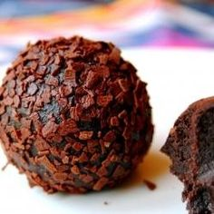 Boozy Dark Chocolate Rum Balls - SO easy, basically just chocolate and butter. Holiday Baking, Christmas Baking, Christmas Treats, Candy Recipes, Sweet Recipes, Dessert Recipes, Just Desserts, Delicious Desserts, Yummy Food