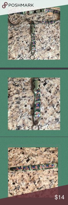 """🇺🇸United We Stand🇺🇸Camo Laynard🇺🇸 This Patriotic camouflaged lanyard shows your Proud to be an American 🇺🇸snap closure🇺🇸the words """"UNITED WE STAND"""" on camouflage🇺🇸all metal hardware making it as strong as Our Military🇺🇸🚫trades🚫🇺🇸 Accessories"""