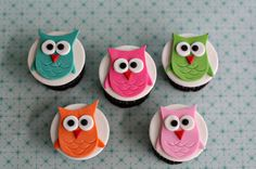 Fondant Owl Cupcakes - Fondant owl toppers for cupcakes.  These little guys have a little 3D detail as their body sits up from their wings.