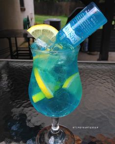 It's spin the bottle on steroids! Curacao Drink, Blue Curacao, Raspberry Lemonade, Pink Lemonade, Mixed Drinks Alcohol, Alcohol Drink Recipes, Punch Recipes, Fruit Recipes, Recipes