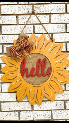 "Your individual door hanger Sure, the classic is obviously the door pendant, where on the front ""do not disturb"" and on the back ""in"" stands. Teacher Door Hangers, Cross Door Hangers, Wooden Door Hangers, Wooden Doors, Door Hanger Printing, Sunflower Door Hanger, Porch Signs, Door Signs, Christmas Chair"
