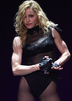 Madonna Fashion Icon and Queen of pops. Madonna will leave with us her timeless style and her contribution to iconic fashion influence. Madonna Birthday, Madonna Fashion, Madonna Pictures, Madonna Mode, Madonna Young, Celebrities Then And Now, Star Wars, Daily Beauty, Material Girls