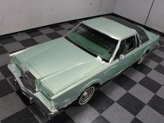 1981 Lincoln Continental Mark VI / Color - Pine Opalescent Panther