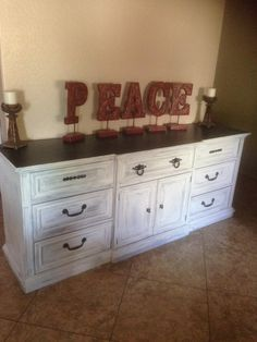 Custom Buffett/dresser