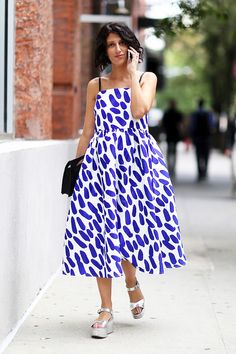Street Style: What To Wear With A Whimsical Print Dress