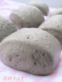 養生黑芝麻饅頭 black sesame steamed buns