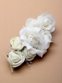 Perfect for a summer wedding or any occasion white Flowers go with everything. IncaUK.com   #hair #accessories