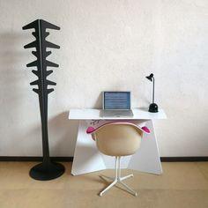 Minimalist Desk Design for Simplicity