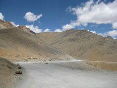 Travels and Ruminations: MotorCycle Trip across India - Manali to Leh - Par...