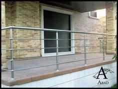 Steel Stair Railing, Steel Railing Design, Modern Railing, Steel Stairs, Balcony Grill Design, Balcony Railing Design, Stainless Steel Balustrade, Glass Balustrade, Stairs Handle