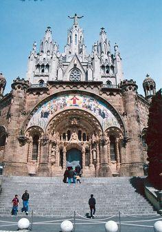 Templo del Sagrado Corazón, Barcelona, España.