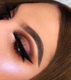 32 Ideas For Eye Makeup Simple Brown Beauty Products Makeup Goals, Makeup Inspo, Makeup Inspiration, Makeup Tips, Beauty Makeup, Makeup Ideas, Makeup Products, Makeup Hacks, Beauty Products