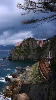 Train tracks coming from Riomaggiore to Manarola, Liguria