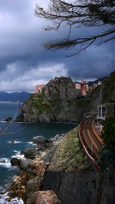 Train tracks coming from Riomaggiore to Manarola, Liguria
