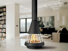 Central fireplace by Hergom with a 360° view of the fire