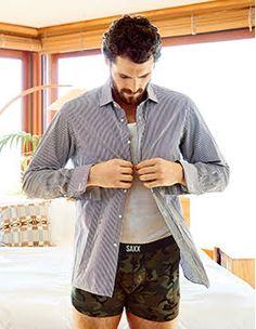 When he's not fighting for a playoff spot, Kevin Love appreciates Vibe's exceptionally soft viscose fabric because it keeps him cool and comfortable every day of the week.