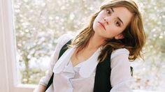 Emma Waston Attractive Pose