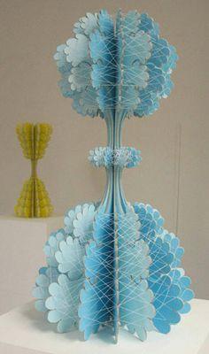 Piedras,papeles y tijeras: Esculturas de carton de Ferry Staverman