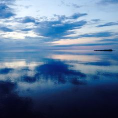 Another one of #lakesuperior from my recent trip to #Minnesota #northshore #blue #bluesky #bluewater #sunrise #lake #lakeview #lakeshore #nofilter #blue #blueskys #instablue #instablues #moodyblues #beautifulblue #beautifulblues #prettyblue #prettyblues