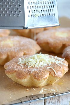 Mamon is a Filipino mini chiffon cake that is a popular afternoon snack. Get this simple and easy recipe for that light, airy and fluffiest Mamon ever! Filipino Bread Recipe, Filipino Dishes, Filipino Desserts, Filipino Recipes, Filipino Food, Pinoy Cake Recipe, Sweet Desserts, Sweet Recipes, Delicious Desserts