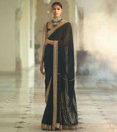 Dress Indian Style, Indian Fashion Dresses, Indian Designer Outfits, Sabyasachi Sarees, Indian Sarees, Indian Bollywood, Bollywood Dress, Ethnic Sarees, Anarkali