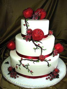 christmas wedding cake: http://www.idilio.com.au/bridal-blog/5-unique-holiday-themed-wedding-ideas
