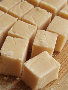 A classic vanilla fudge recipe made with corn syrup to prevent crystallization. This recipe will remind you of your favorite boardwalk fudge! Candy Recipes, Sweet Recipes, Dessert Recipes, Fun Recipes, Vanilla Fudge Recipes, Maple Fudge, Chocolates, Homemade Candies, Christmas Baking