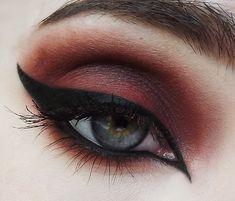 Black Eye Eyeshadow | My Pretty Zombie Cosmetics