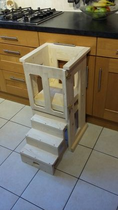 Ideas diy kids chair toddlers learning tower for 2019 Toddler Kitchen Stool, Kids Stool, Toddler Chair, Wood High Chairs, Patio Cooler, Learning Tower, Toddler Learning, Diy Chair, Diy Woodworking