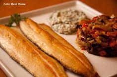Marinado - Truta grelhada e molho de espinafre. Acompanha legumes assados ao alecrim.(almoço)