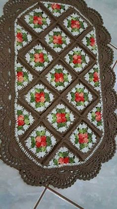 Crochet Art, Filet Crochet, Crochet Patterns, Yarn Crafts, Diy And Crafts, Tapete Floral, Free Pattern, Old Things, Quilts