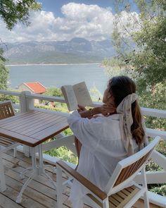 Book Aesthetic, Summer Aesthetic, Travel Aesthetic, Aesthetic Photo, Aesthetic Pictures, Flower Aesthetic, Summer Dream, Photo Instagram, Instagram Summer